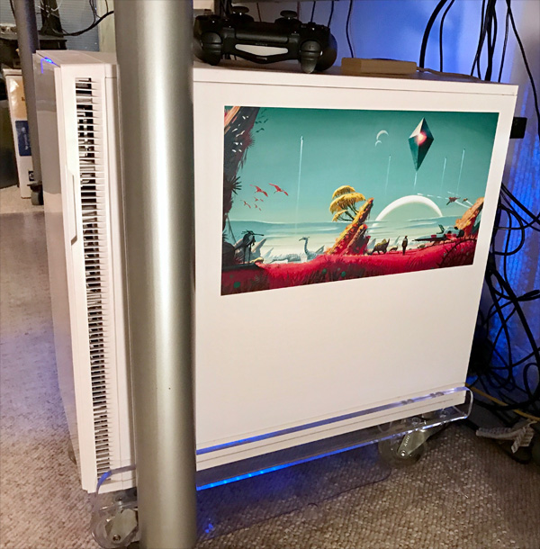 Photo of white PC tower case with No Man's Sky decal, large, on the side